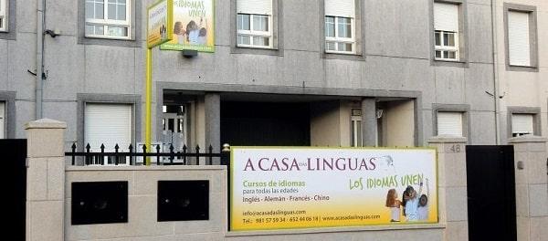 Vista desde afuera de A casa das linguas en Casas Novas