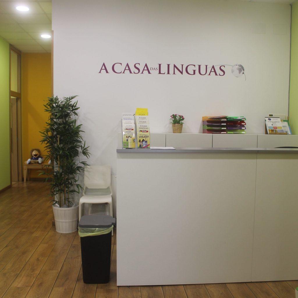 Recepción en el centro de Bertamiráns de A casa das linguas